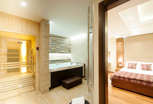 Deluxe Room & Spa
